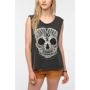 TRULY MADLY DEEPLY LACE MUSCLE TEE
